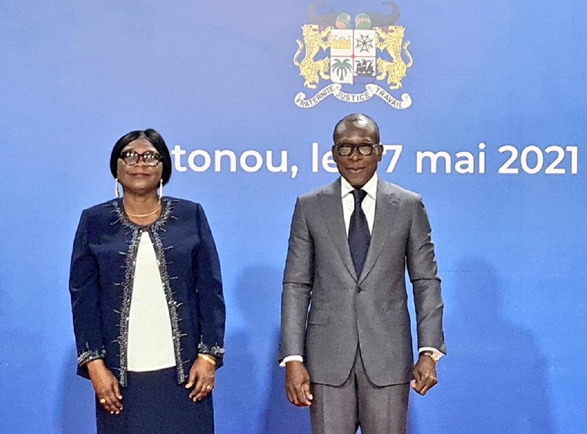 La Présidente de la Cour des comptes, Mme Ismath BIO TCHANÉ MAMADOU et le Président de la République du Bénin, Patrice Talon