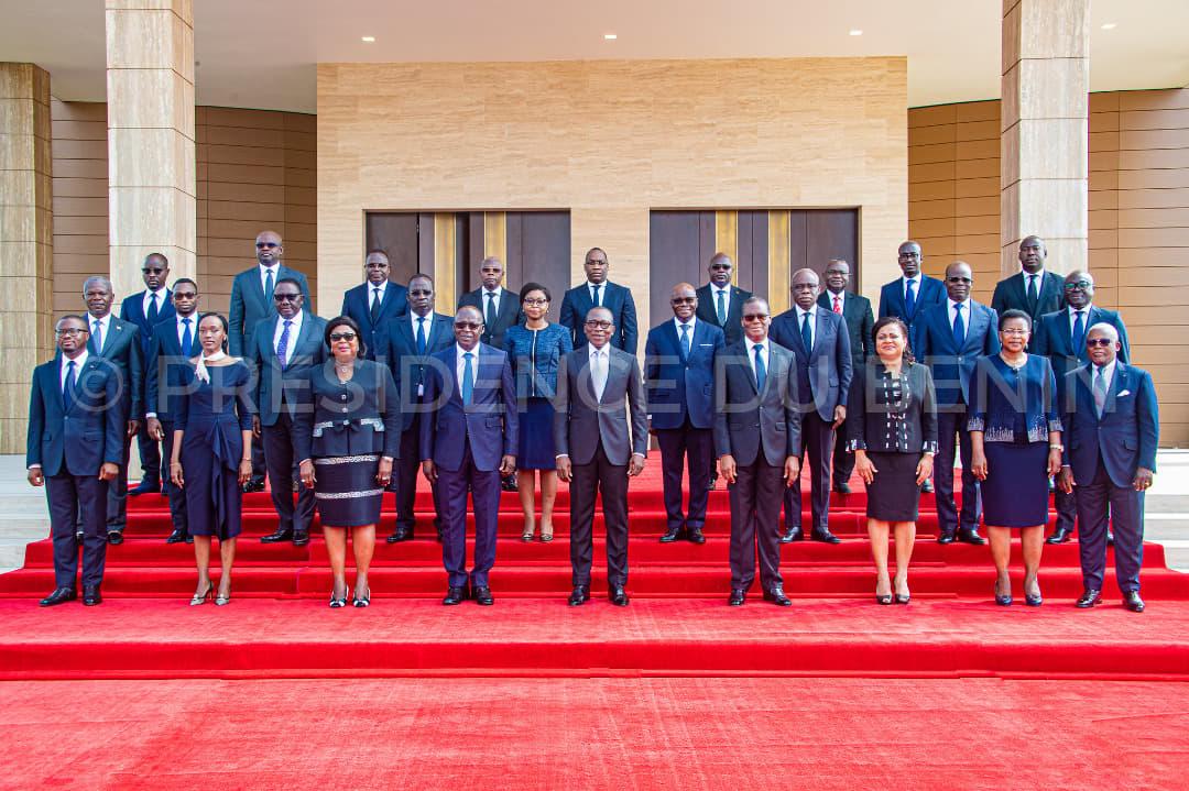 Photo de famille du premier gouvernement de Patrice Talon II avant le premier Conseil des ministres du mercredi 26 mai 2021