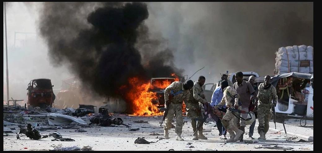 Plusieurs morts dans un attentat suicide contre un chef de la police somalienne à Mogadiscio