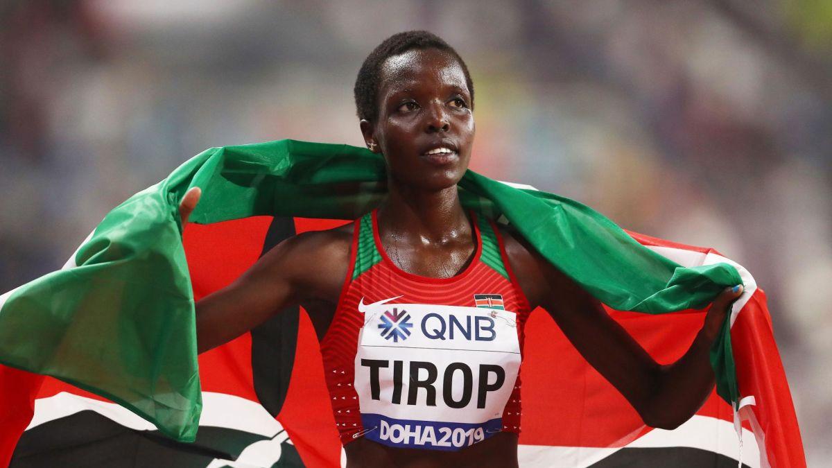 La coureuse kényane Agnes Tirop, deux fois médaillée de bronze sur 10.000 mètres aux championnats du monde et médaille d'or aux championnats monde de cross-country en 2015